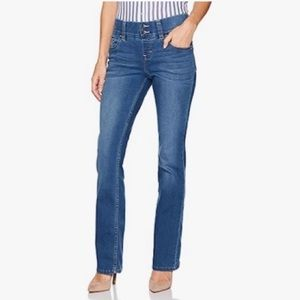 Lee Riders   Indigo Mid Rise Pull on Waist smoother Bootcut Jeggings